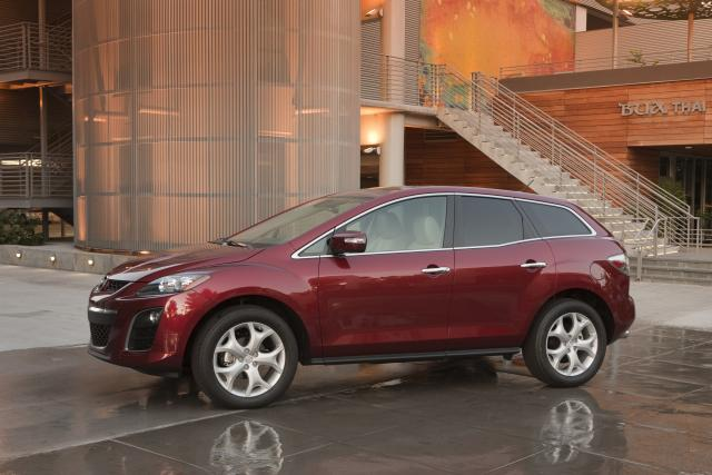 ... One Used In Mazda3 And Mazda5) That Achieves Class Leading Non Hybrid  EPA Fuel Economy Estimates Of 20 Mpg City/28 Mpg Highway. Edmunds Hails CX  7u0027s U201c ...