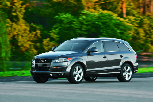 Audi Q7 Tdi With Revised Front And Rear Fascias For 2010 The Large 7 Penger Luxury Suv Offers Consumers