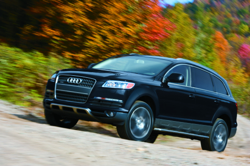 Audi Q7 Sharing Elements Of Its Basic Design With The Volkswagen Touareg Luxury Large Suv