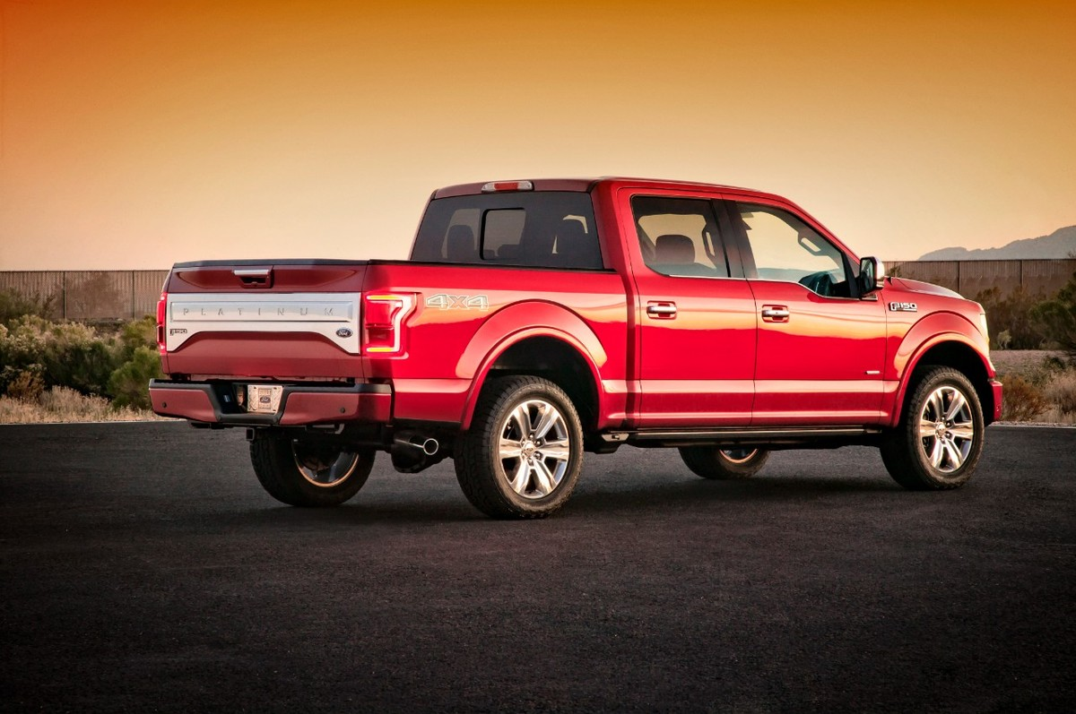 2015 ford f 150 debut of the all new aluminum built ford tough full size truck. Black Bedroom Furniture Sets. Home Design Ideas