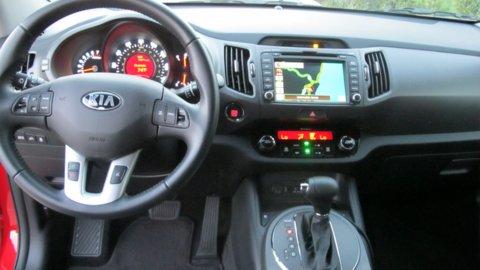 2014 Kia Sportage SX, 2 nd Place:2014 Volkswagen Tiguan R-Spec, 2014