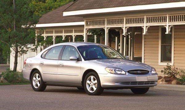 2001-Ford-Taurus-sedan
