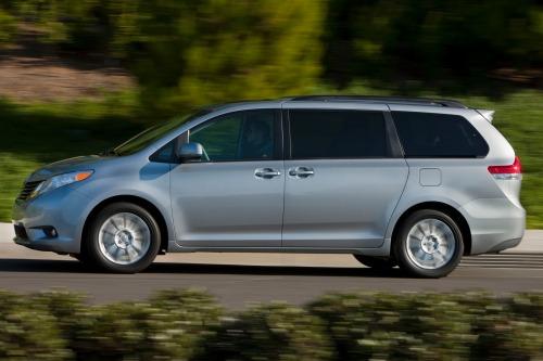 Best Used Minivan >> Best 5 Used Awd Minivans Iseecars Com