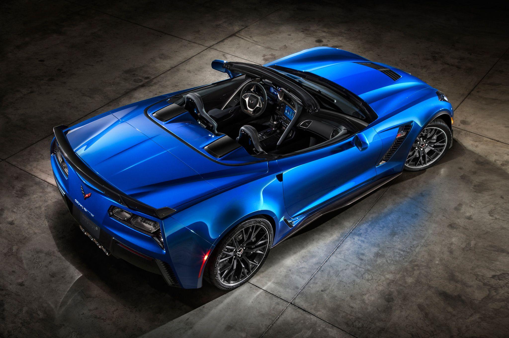 drop top allure 2015 chevrolet corvette z06 convertible debuts at new. Black Bedroom Furniture Sets. Home Design Ideas