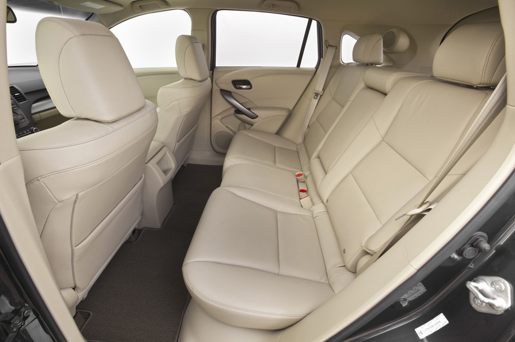 2015-acura-rdx-rear-interior