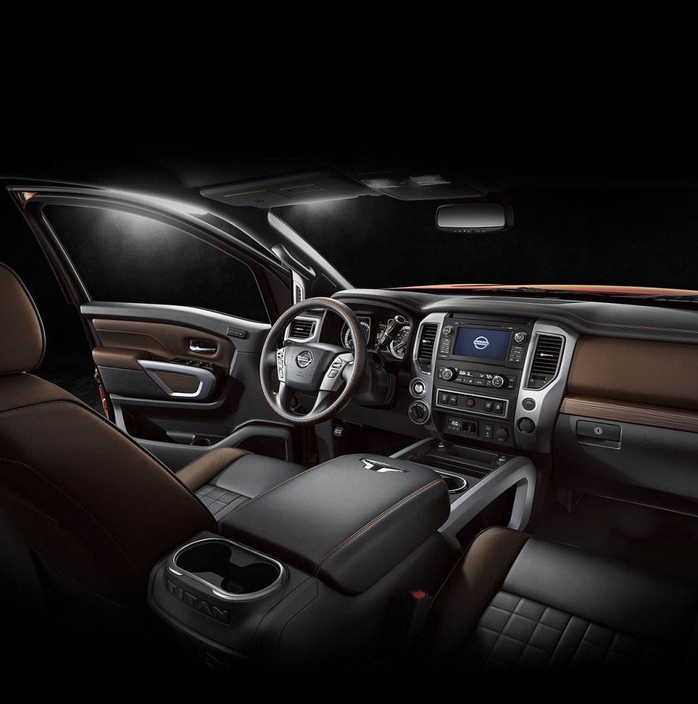 all-new-nissan-titan-xd-2016-interior-view-12