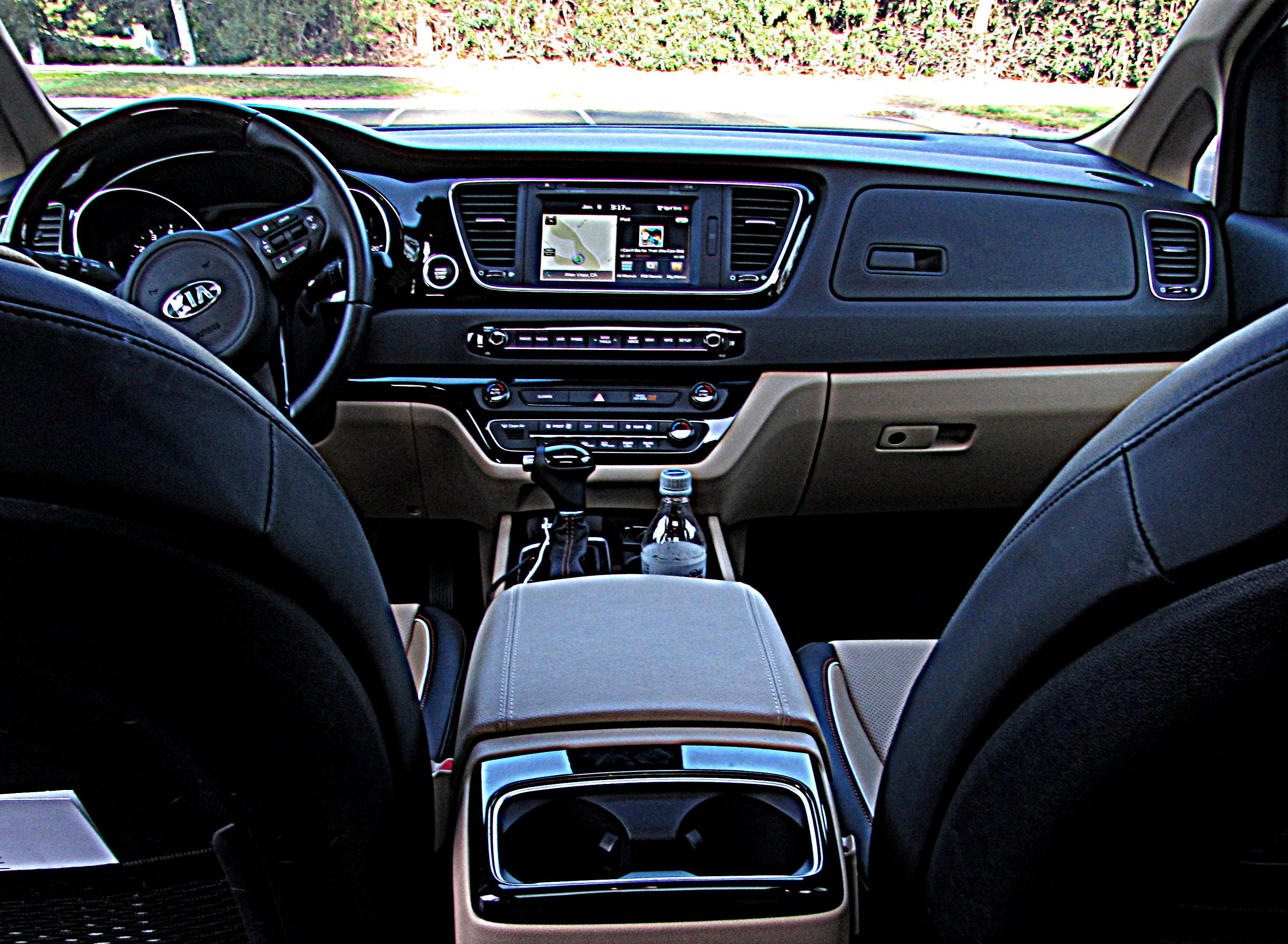 dsc fast ex sedona a hauler kia redesigned kid lane minivan car the review