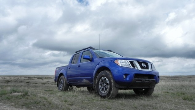2015 Nissan Frontier Pro-4X - hinter - 1200px AOA
