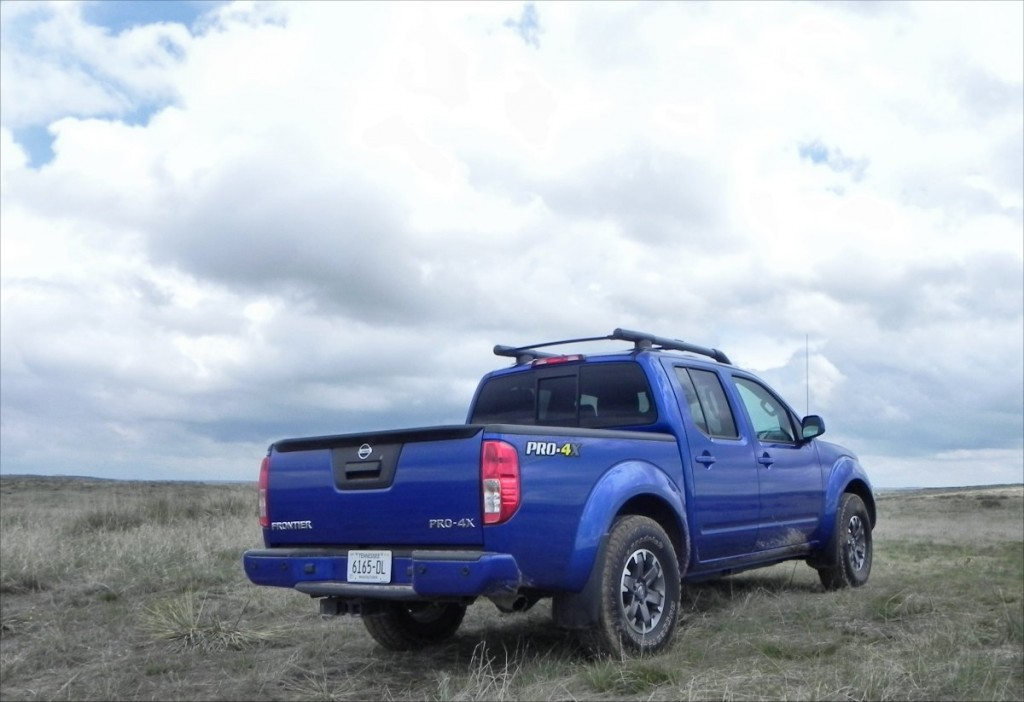 2015 Nissan Frontier Pro-4X - hinter 6 - 1200px AOA