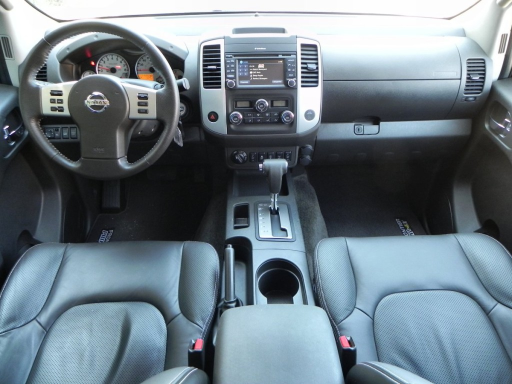 2015 Nissan Frontier Pro-4X - interior 6 - 1200px AOA