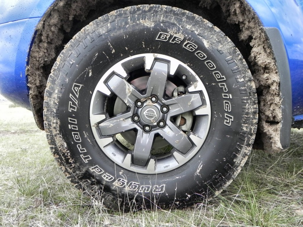 2015 Nissan Frontier Pro-4X - mud 6 - 1200px AOA