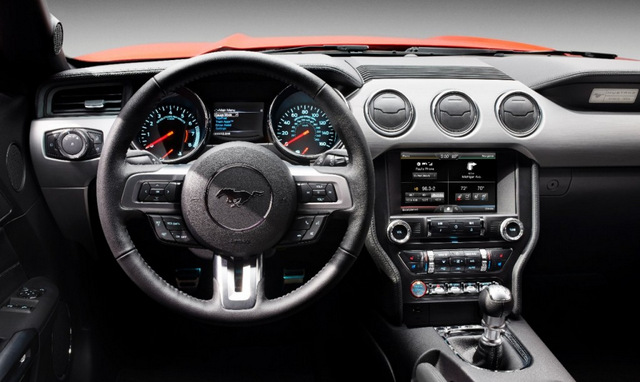 2015-ford-mustang_steering wheel