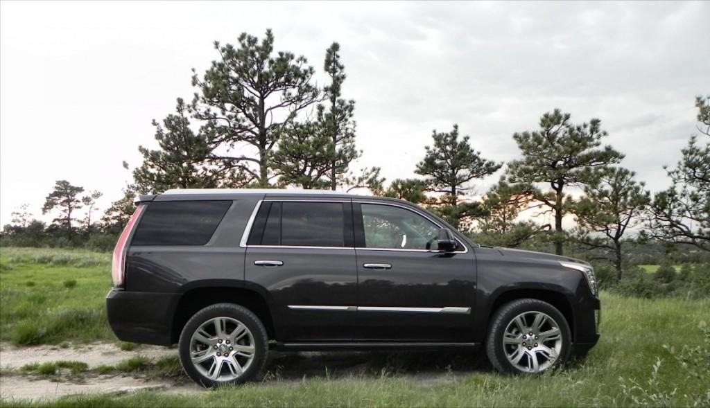 2015 Cadillac Escalade - bluffs 10 - AOA1200px