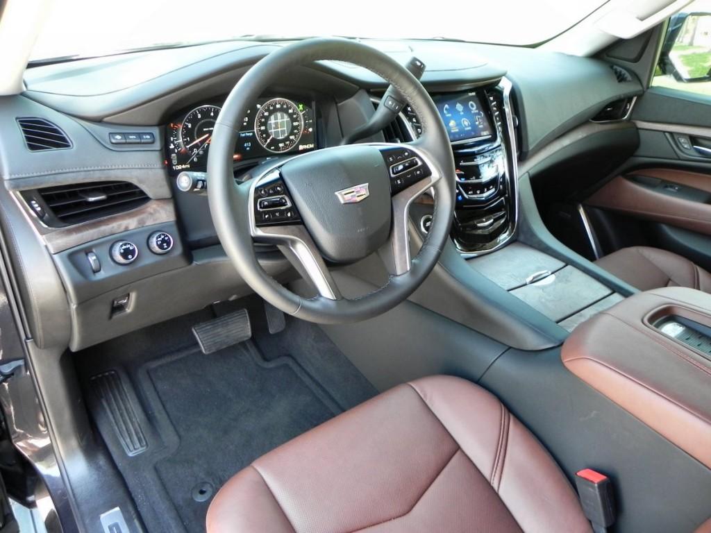 2015 Cadillac Escalade - interior 1 - AOA1200px