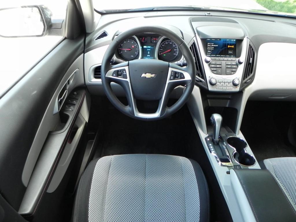 2015 Chevrolet Equinox - interior 5 - AOA1200px