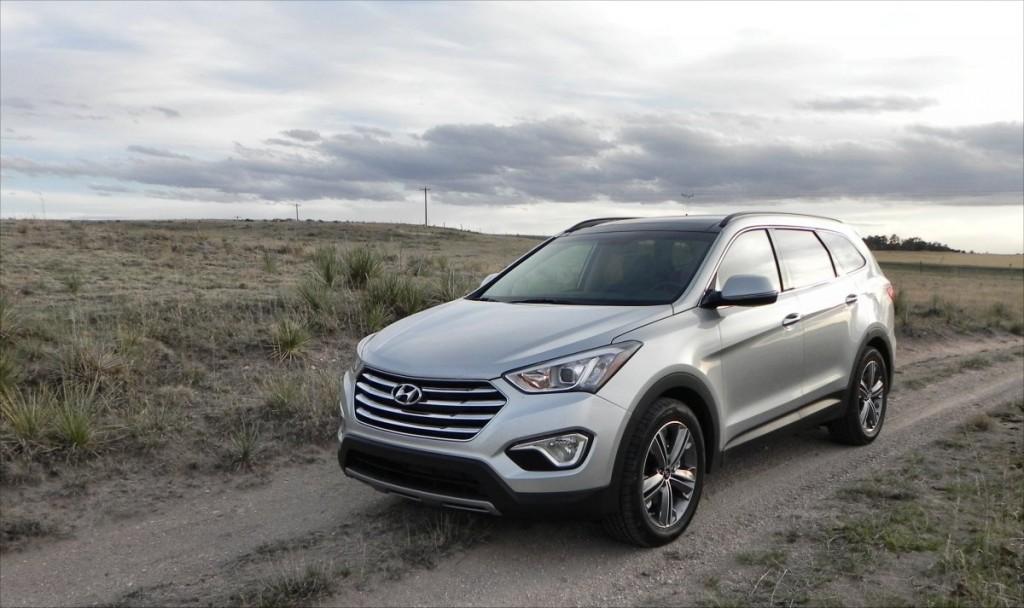 2015 Hyundai Santa Fe - field 6 - AOA1200px