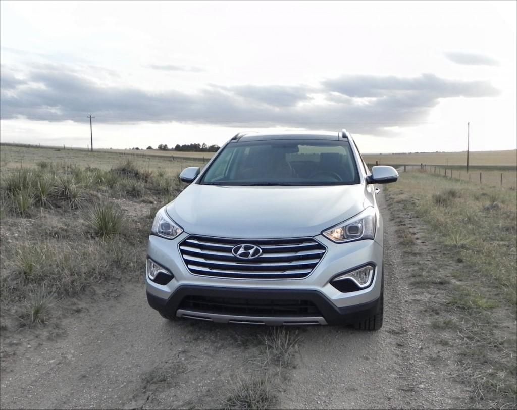 2015 Hyundai Santa Fe - field 7 - AOA1200px