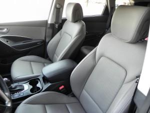 2015 Hyundai Santa Fe - interior 2 - AOA1200px