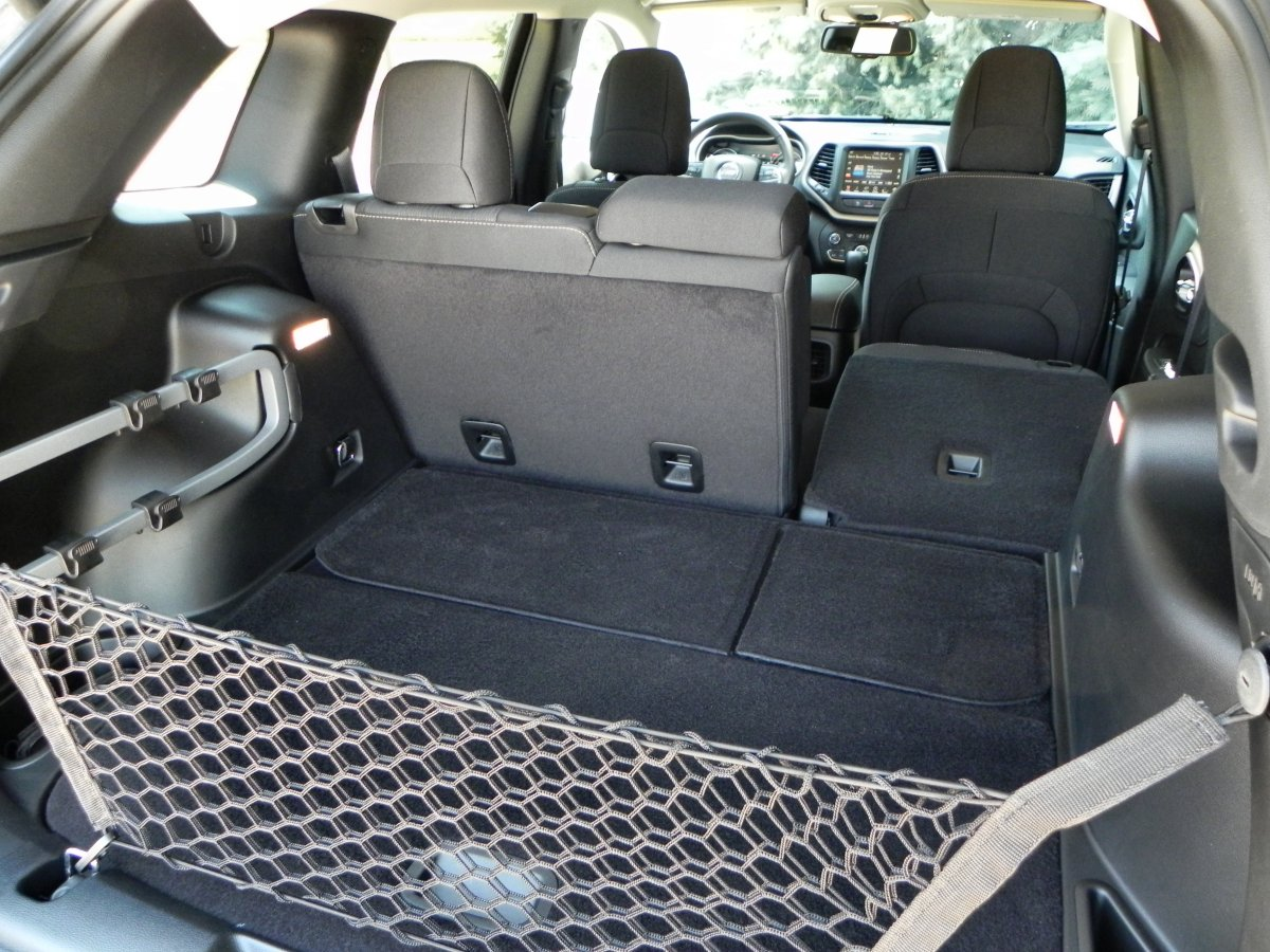 2015 jeep cherokee interior dimensions