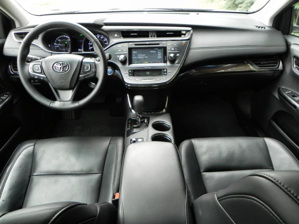 2015 Toyota Avalon Hybrid - interior 6 - AOA1200px