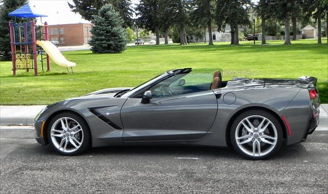 2015 Corvette Stingray - park 1 - AOA1200px