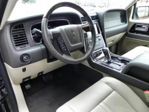 2015 Lincoln Navigator - interior 1 - AOA1200px