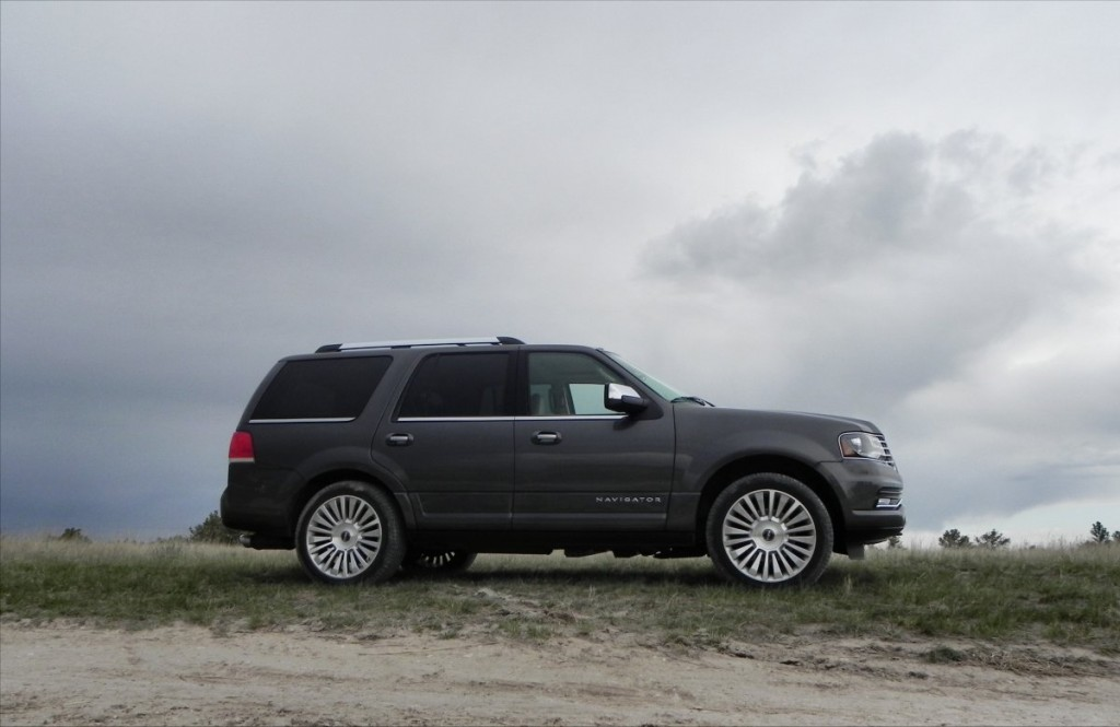 2015 Lincoln Navigator - trail 1 - AOA1200px