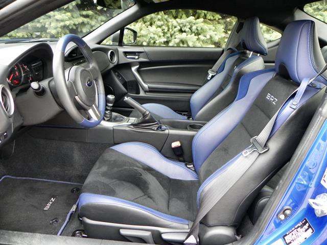 2015 Subaru BRZ - interior 3 - AOA1200px