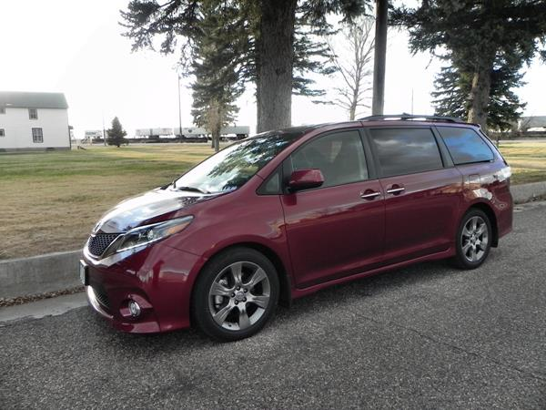 2015 Toyota Sienna - museum 4 - AOA1200px