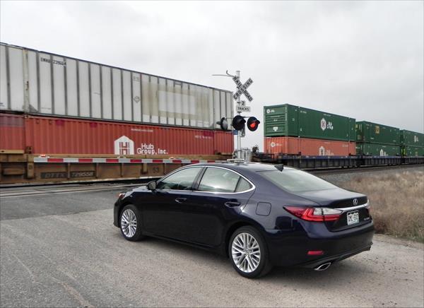 2016 Lexus ES 350 - train 1 - AOA1200px