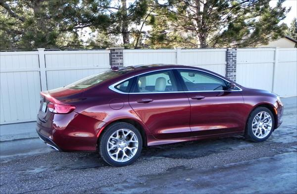 Chrysler 200C - neighborhood 2 - AOA1200px