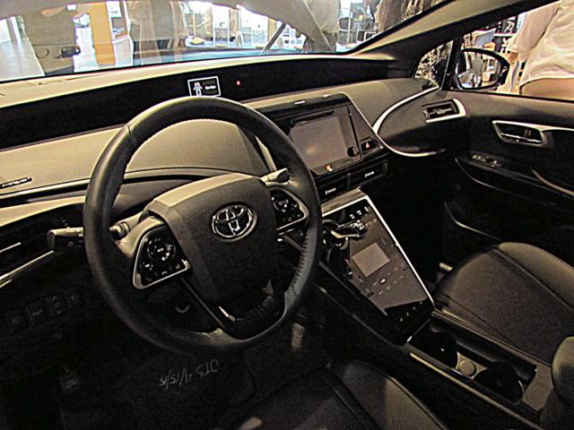 Toyota_Murai_Interior_by_James_Hamel