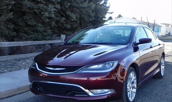 Chrysler 200C - neighborhood 1 - AOA1200px