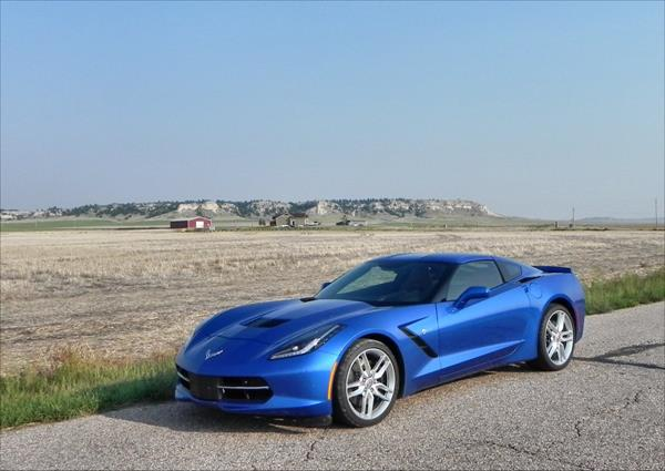 2016 Chevrolet Corvette Stingray - 10 - AOA1200px