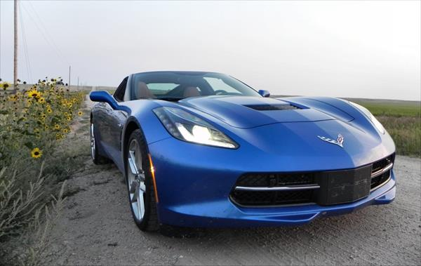 2016 Chevrolet Corvette Stingray - 11 - AOA1200px