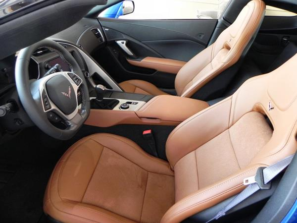 2016 Chevrolet Corvette Stingray - interior 2 - AOA1200px