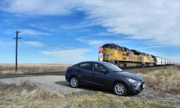 2016 Scion iA - train 1 - AOA1200px