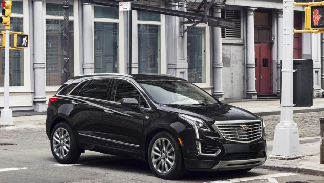 2017 Cadillac XT5 luxury crossover-front