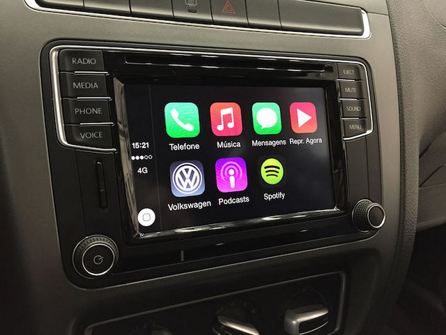 Volkswagen-Fox-Apple-CarPlay