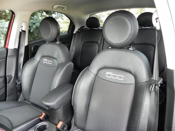 2016 Fiat 500X - interior 4 - AOA1200px