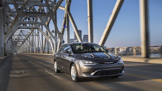 FCA US LLC Chrysler 200