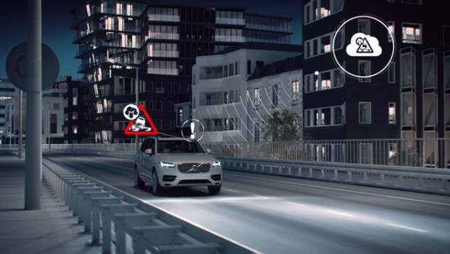 159634_Slippery_Road_Alert_technology_by_Volvo_Cars