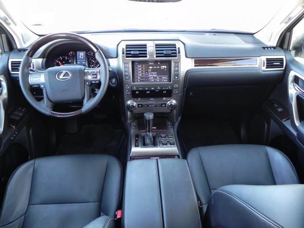 2015 Lexus GX 460 - interior 3 - AOA1200px