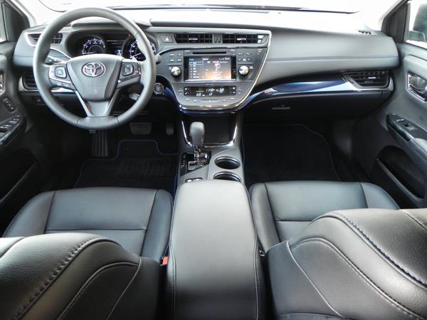 2015 Toyota Avalon - interior 3 - AOA1200px