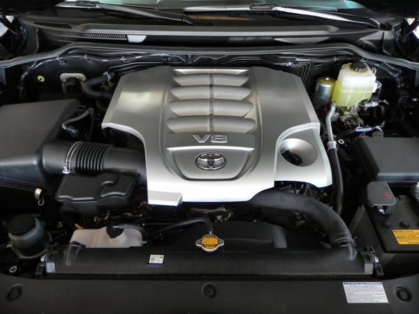 2016 Toyota Land Cruiser - engine 1 - AOA