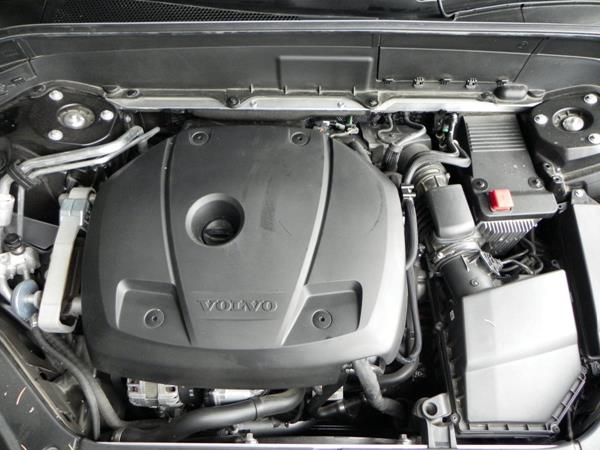 2016 Volvo XC90 - engine 1 - AOA