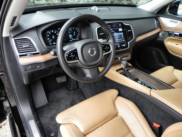 2016 Volvo XC90 - interior 1 - AOA