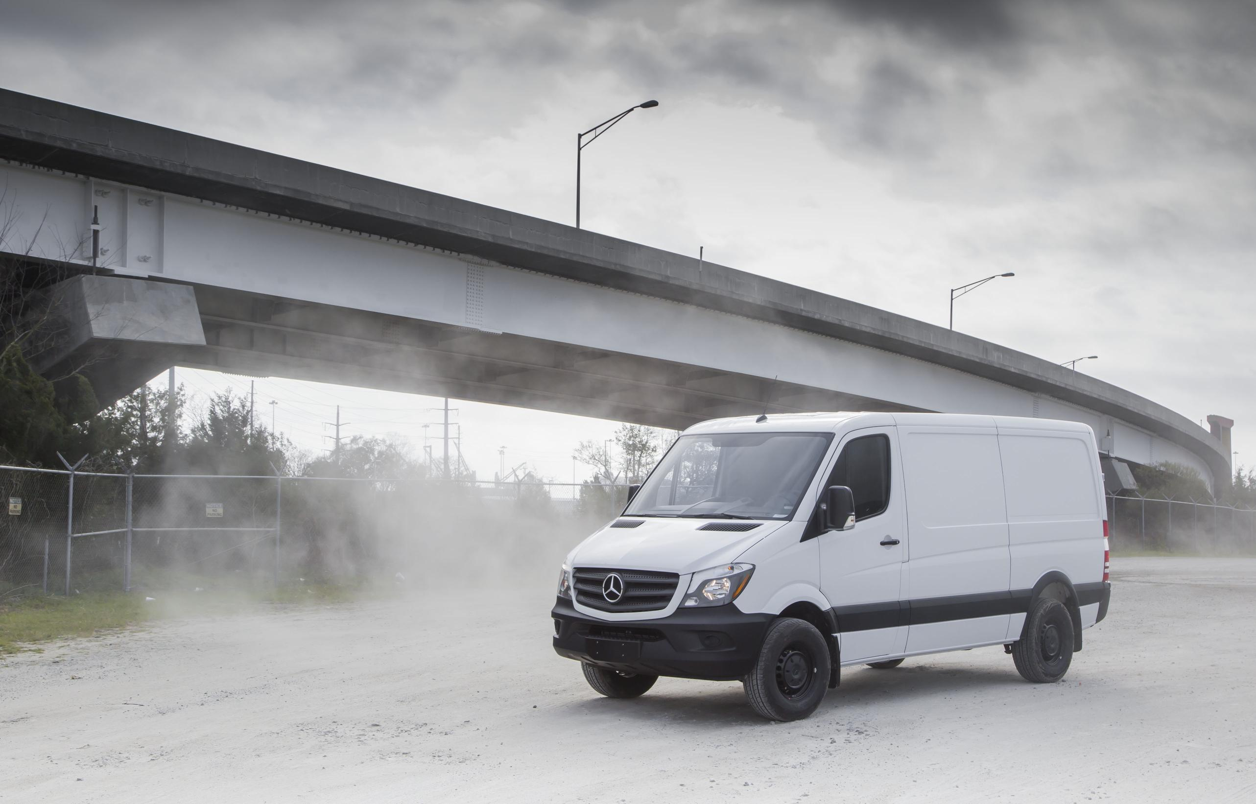 Trucks and suvs shine at 2016 chicago auto show for 2017 mercedes benz sprinter towing capacity