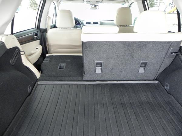 2015 Subaru Outback - interior 9 - AOA1200px