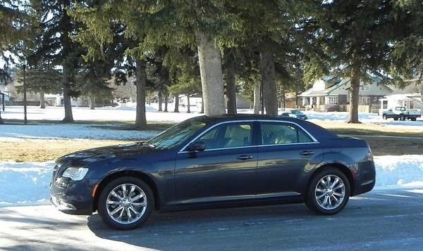 2016 Chrysler 300 - 2 - AOA1200px (Copy)